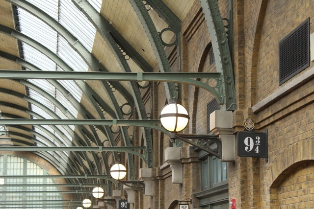 train-station-724090_1920-1440x960